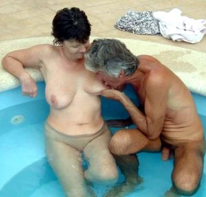 mature wife swinger