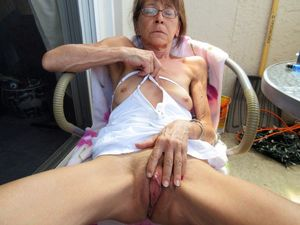 grannies hairy pussy