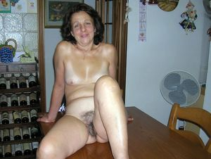mature hot wife pics