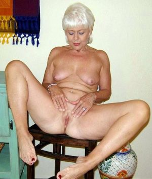 amature milf naked