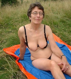 mature nude homemade