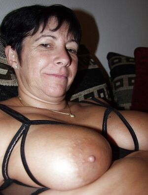 mature mom handjob