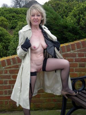 mature naked wives