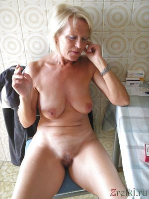 mature nude woman