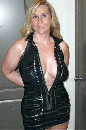 milf cleavage