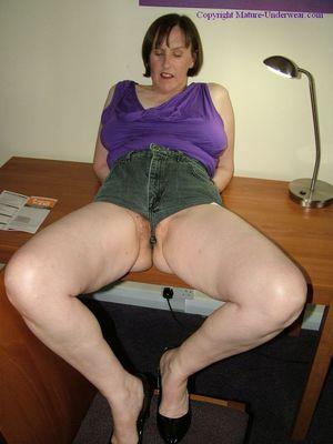 Short Shorts Milf