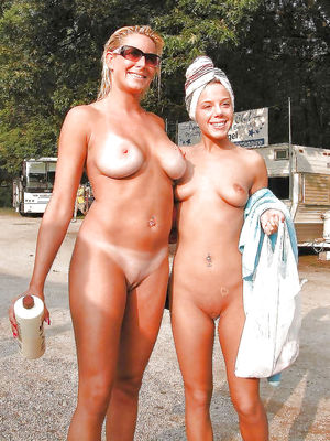 mother daughter nudist pictures
