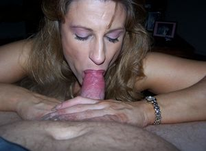 mature sucks big cock