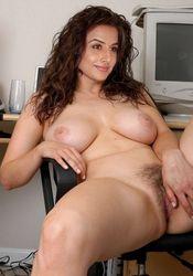 Brunettes naked older Mature XXX